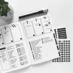 These Minimalist Bullet Journal Spreads Will Inspire You to Embrace Simple! These Minimalist Bullet Journal Spreads Will Inspire You to Embrace Simple!
