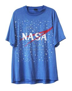 Rare Retro 1990s NASA National USA Space Travel T-Shirt Unisex Size Extra Large Message me with any questions!  Please note: The Nasa logo is slightly faded due to its age. Just proof of its true vintage nature!  Shipping time on this item is currently only 2-3 days (despite what the shipping information might say). ---------------------------------------------------------------------------------------------  For more sweatshirts & vintage apparel, click HERE…
