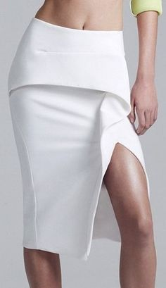 Maticevski Spring 2015 Ready-to-Wear Fashion Show Fashion Days, Fashion Show, Fashion Looks, Womens Fashion, Minimal Fashion, White Fashion, Fashion Details, Fashion Design, Mode Inspiration