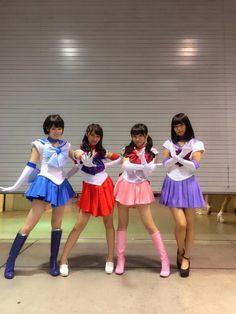 4xers:高山一実、桜井玲香、秋元真夏、深川麻衣