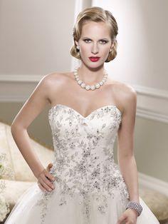 9aa6d85ae543 Krásne nové nadýchané tylové snehovo-biele svadobné šaty BRIGHTON s  precízne zdobeným vyšívaným korzetom perličkami