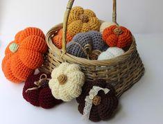 The Slanted Life: Crocheted Pumpkins!! I love pumpkins!!! Free Pattern!