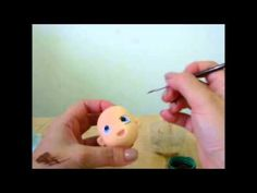 An interesting way to make a fondant face Canal Aula de Biscuit. Visite o Novo Site www.biscuitvip.com Visite a Fanpage do Canal Aula de Biscuit https://www.facebook.com/pages/Aula-de-Biscuit-Gr%C3%A...