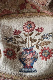 Me And My Needle: Broderie perse-feestje met Di Ford Wool Applique, Embroidery Applique, Applique Tutorial, Quilting Designs, Quilt Design, Antique Quilts, Machine Quilting, Hand Stitching, Appliqué Quilts