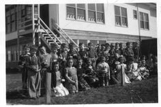 Mrs Hewer's 1952 class at Raymer Avenue School.