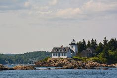 Photographs from beautiful downeast Maine Island Lighting, Vermont, Beautiful Images, Mansions, House Styles, Photos, Decor, Fence, Mansion Houses