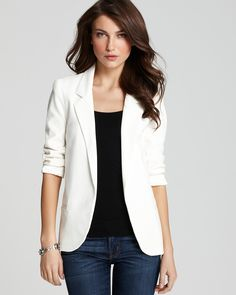 not sure if i could pull off a white blazer, but i love the way it looks.