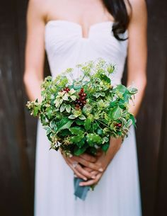 Google Image Result for http://thenaturalweddingcompany.co.uk/blog/wp-content/uploads/2011/11/green_berry_seed_head_wedding_bouquet.jpg