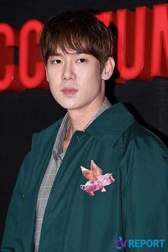 Yoo Yeon Seok, South Korea, Kdrama, Stars, Movie, Amor, Woodwind Instrument, Korea, Sterne