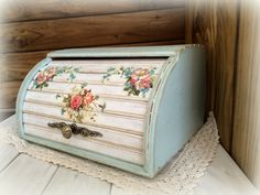 Новости Furniture Board, Diy Furniture, Bread Boxes, Bread Bin, Upcycle Home, Decoupage, Painted Wooden Boxes, Fun Crafts To Do, Malm