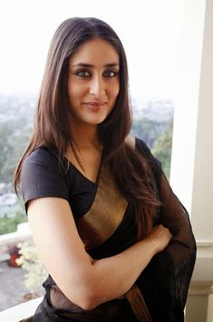 Gorgeous+Kareena+Kapoor+in+Black+Sarees,+Bollywood+Saree+Collection_IndianRamp.com.jpg