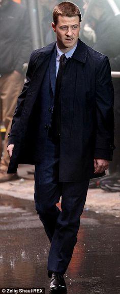 Jim Gordon (Ben McKenzie) - Gotham