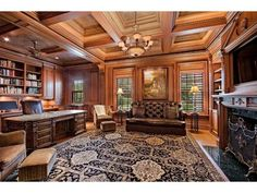 Traditional Home Office - Den - Port Royal - Naples #Traditionalhomeoffices