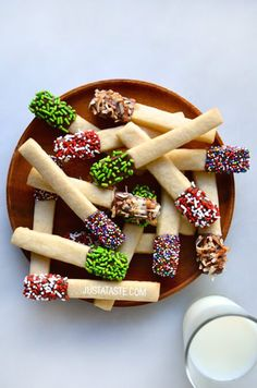 Sprinkle Sugar Cookie Sticks 21 Mind-Blowing Colorful Cookies That Make You Want To Bake Christmas Sugar Cookie Recipe, Christmas Cookies Kids, Sugar Cookies Recipe, Yummy Cookies, Holiday Cookies, Christmas Desserts, Holiday Treats, Christmas Treats, Holiday Recipes