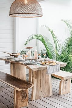 The outdoor dining room is meant for you to have fun. When you are in the backyard dining room you … Backyard Furniture, Backyard Patio, Outdoor Furniture Sets, Furniture Ideas, Wooden Furniture, Furniture Chairs, Furniture Design, Out Door Furniture, Kitchen Furniture
