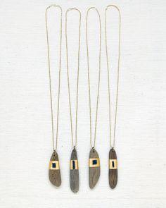 Amulettes de bois flotté par SeeRealFlowers sur Etsy