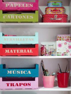 Cajas de fruta convertidas en la decoración más original - http://decoracion2.com/cajas-de-fruta-convertidas-en-la-decoracion-mas-original/62841/ #DecoracionOriginal, #Diy, #ManualidadesOriginales