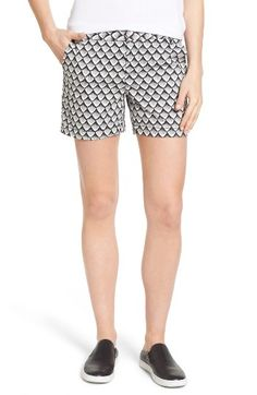 Free shipping and returns on Caslon® Cotton Twill Shorts (Regular & Petite) at Nordstrom.com. Sturdy cotton twill shorts with a hint of stretch will keep up with your most adventure-packed summer days.