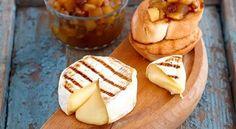 Сыр «Камамбер Лефкадии» хорош сам по себе, но всегда интересно дополнить его вкус какой-нибудь экзотической приправой. Наступила осень, яблоки вошли во вкус, а значит пора готовить яблочный чатни
