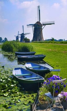 """The country """"Netherlands"""" in western Europe that you remember is about to be renamed! Recently, a foreign media published a report that ' The Netherlands' does not want you to call it Holland. Holland Netherlands, Amsterdam Netherlands, Holland Europe, Places To See, Places To Travel, Places Around The World, Around The Worlds, Holland Windmills, Le Moulin"""