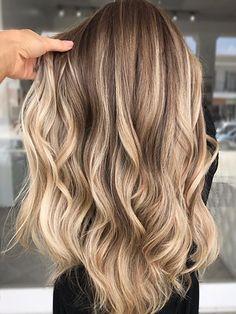 Fall Blonde Hair Color, Blonde Hair Looks, Brown Blonde Hair, Bright Blonde, Darker Roots Blonde Hair, Long Hair Colors, Highlighted Blonde Hair, Hair Colors For Fall, Blonde Balayage On Brown Hair