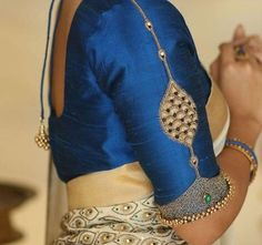 Sari Blouse, Pattu Saree Blouse Designs, Blouse Designs Silk, Bridal Blouse Designs, Blouse Patterns, Indian Blouse, Blue Blouse, Patch Work Blouse Designs, Lehenga Designs