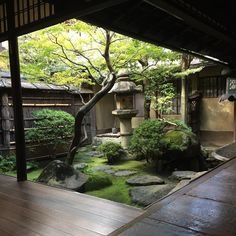 Special invitation to see the inside of a Taiyu house. Special invitation to see the inside of a Taiyu house. Japanese Style House, Small Japanese Garden, Japanese Garden Design, Japanese Gardens, Japanese Garden Backyard, Japanese Homes, Traditional Japanese House, Sunken Garden, Zen Gardens