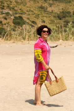 Curvy look Positano style, chic at the beach with a handmade vintage kaftan