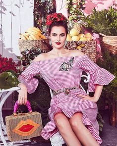 Picture of Fahriye Evcen Most Beautiful Women, Beautiful Dresses, Celebrity Stars, Turkish Beauty, Fashion Beauty, Womens Fashion, Turkish Actors, Elegant Outfit, Old Hollywood
