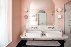 Pink pastels in the bathroom at Henrietta Hotel