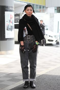 Grunge goth with double belted jeans plus lace gloves spotted at Tokyo Fashion Week #mbfwt Credit @nothinginparticular