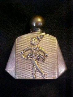 Czech art deco perfume bottle Art Nouveau, Art Deco, Perfume Atomizer, Antique Perfume Bottles, Vintage Bottles, Perfumes Vintage, Chanel Perfume, Beautiful Perfume, Bottle Art