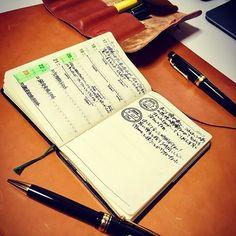 久々のまったり手帳タイム。 #stationery #note #notebook #diary #nolty #能率手帳 #能率手帳ゴールド #おっちゃん手帳 #fountainpen #sailor #sailorprofessionalgear #pilot #pilotcustom74 #herz #leather #土屋鞄 #pencase