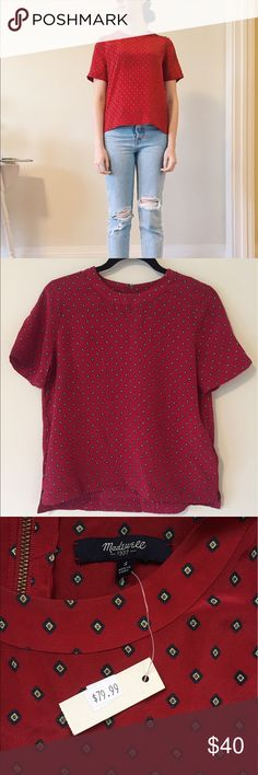 Madewell silk short sleeve top 💯 PERCENT SILK 🖤 NEW WITH TAGS ✨ whoops, forgot I had in this in the back of my closet. 100% silk, short sleeve red top, small zipper on back of neck. Super cute navy geo print 🔹Could be dressed up for work with a blazer or worn casually with jeans as seen here! Madewell Tops Blouses