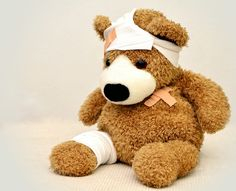 Wondering how to teach your children about first aid, but don& want to scare them? Read this article for fun ways to educate your children on first aid. Head Injury, Brain Injury, Chronic Illness, Chronic Pain, Mental Illness, Le Mal A Dit, Transformation Physique, Get Well Soon Quotes, Teddy Bear Images