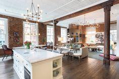 Exceptional SoHo Loft by Drew McGukin Interiors on InCollect Soho Loft, Loft Ny, New York Loft, Loft Interior Design, Loft Design, Interior Paint, Apartment Layout, Apartment Interior, Apartment Living