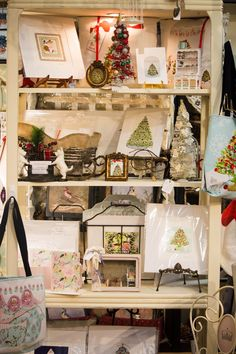 A SCRAPBOOK OF INSPIRATION: C'mon let's go Christmas shopping