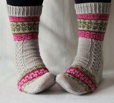 Ravelry: Echoes from Karelia pattern by Tiina Kuu Crochet Socks, Knitting Socks, Knitted Hats, Knit Socks, Knitting Projects, Knitting Patterns, Reading Socks, Mittens Pattern, Boot Cuffs