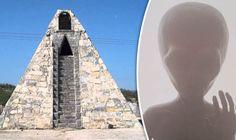 El agricultor Mexicano que construyó una piramide a petición de los ET - http://www.infouno.cl/el-agricultor-mexicano-que-construyo-una-piramide-a-peticion-de-los-et/
