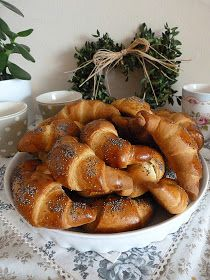 Ciabatta, Pretzel Bites, Cupcake Cakes, Sausage, French Toast, Food And Drink, Bread, Breakfast, Erika