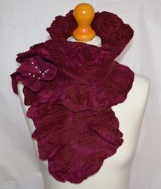 Red and pink merino wool felted scarf with flower pin. Handmade. by jaracedesigns on Etsy