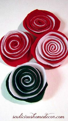 Two toned felt flower easy tutorial Two Colored Felt Flower Tutorial Dyi Flowers, Felt Flowers, Fabric Flowers, Craft Flowers, How To Make Wreaths, Crafts To Make, Diy Crafts, Table Runner Tutorial, Felt Flower Tutorial