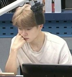 Jaehyun Nct, Memes Chinos, Pre Debut, Valentines For Boys, Ideal Man, Jung Yoon, Jung Jaehyun, Meme Faces, Reaction Pictures