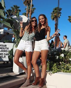 30 pool party outfits from coachella 39 s best bash - Sylvia salas instagram ...