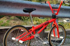 Cycling Quotes, Cycling Art, Women's Cycling Jersey, Cycling Jerseys, Bmx Bicycle, Bicycle Parts, Vintage Bmx Bikes, Gt Bmx, Bmx Flatland