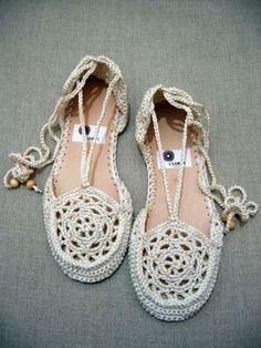 BEN ♥ İYİSİMİ: Örgü sandalet yapımı