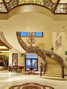 Grand entrance ~Live The Good Life - All about Wealth & Luxury Lifestyle