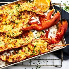 Gratinerad hummer, Translate from Swedish Hummer, Lobster Recipes, Sous Vide, Something Sweet, Paella, Chicken Wings, Stew, Shrimp, Low Carb