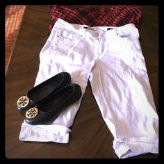 White Capri White Capri pants... Too big for me now... Size 8 with wiggle room (stretch). Just in time for Spring. Consider bundling. I will bundle with red Coach bag or Coach Sunglasses. VGS Pants Capris