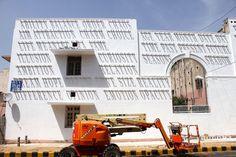 sundial graffiti daku india